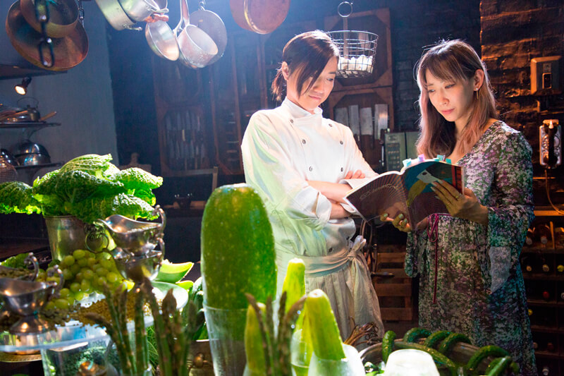 映画『Diner ダイナー』撮影現場での主演藤原竜也と蜷川実花監督