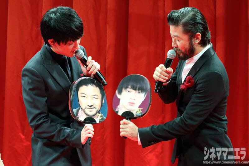 横山裕と浅野忠信、「誰の顔を奪いたいか?」質問の回答が相思相愛!
