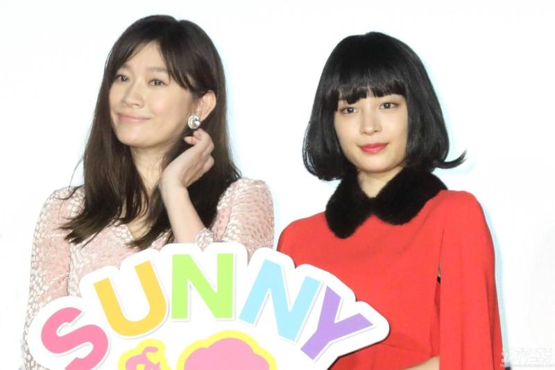 左から篠原涼子さん、広瀬すずさん