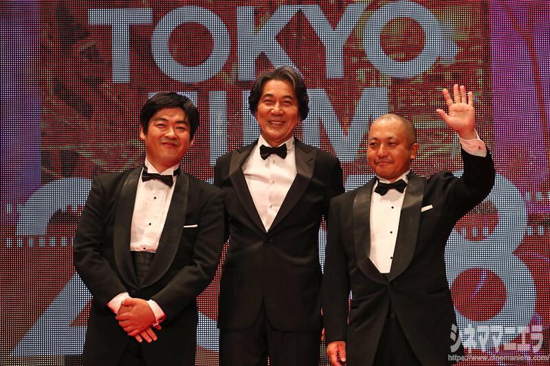 左から沖田修一監督、役所広司、白石和彌監督