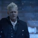 黒い魔法使いグリンデルバルドを演じるジョニー・デップ