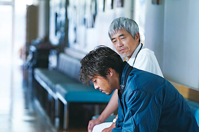 TAKAHIROと小市慢太郎、映画『僕に、会いたかった』より
