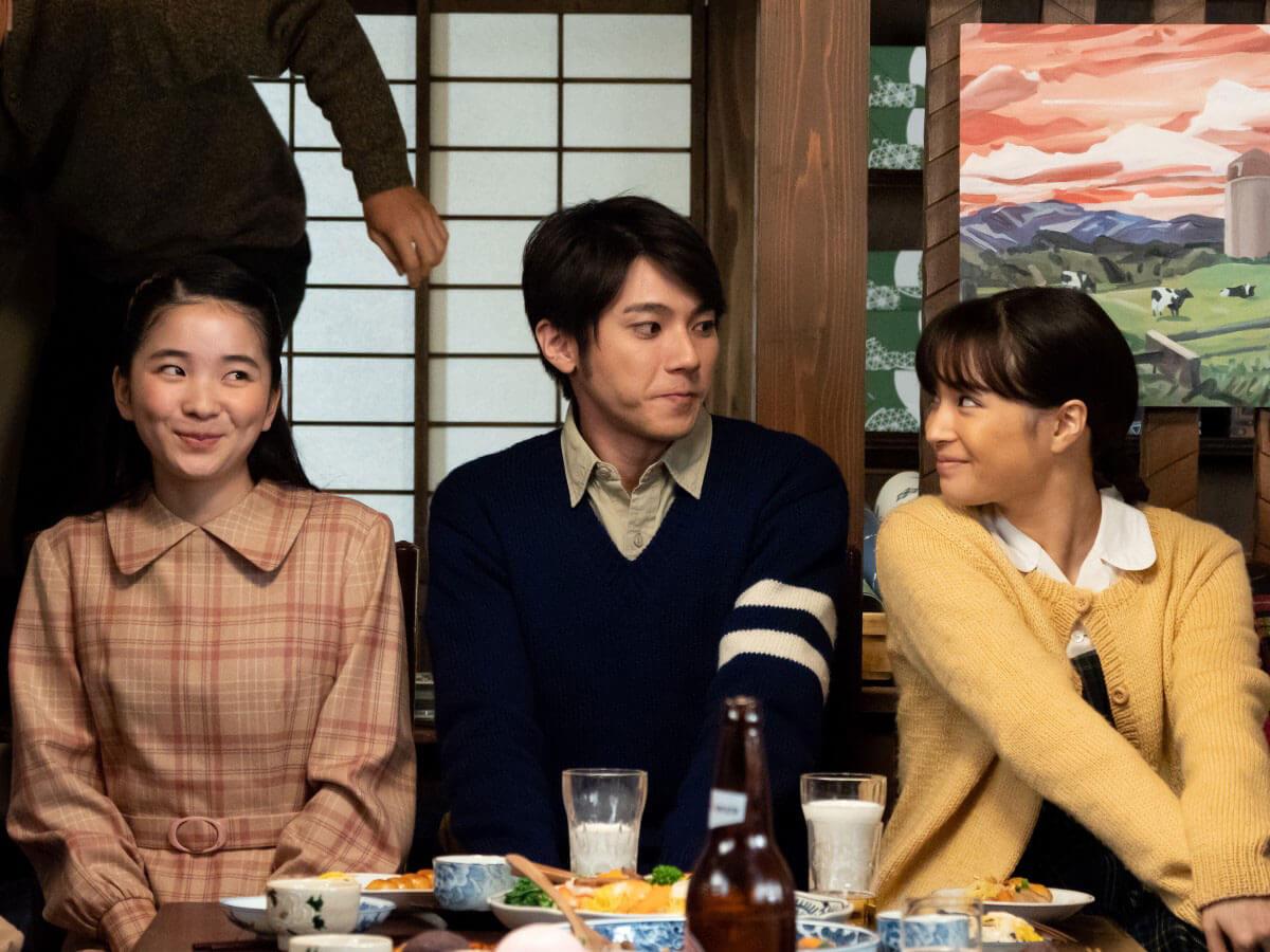左から夕見子(福地桃子)、雪次郎(山田裕貴)、なつ(広瀬すず)