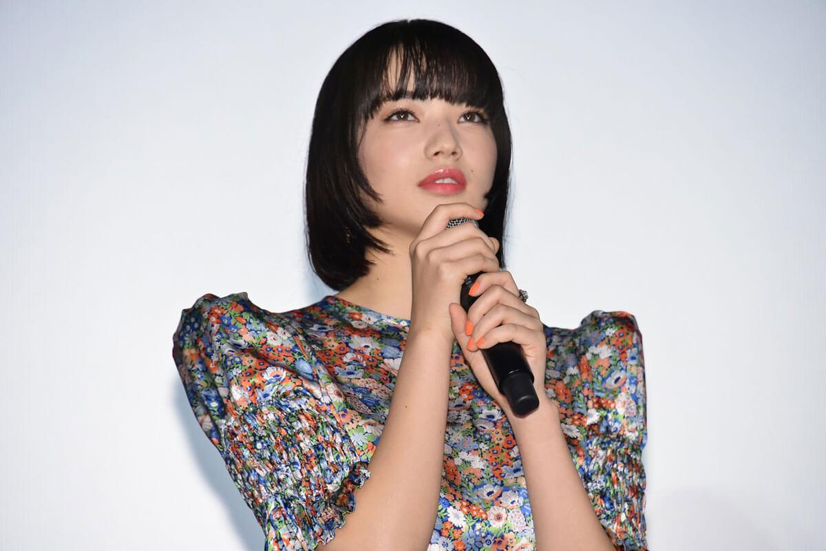 小松菜奈、映画『さよならくちびる』初日舞台挨拶にて