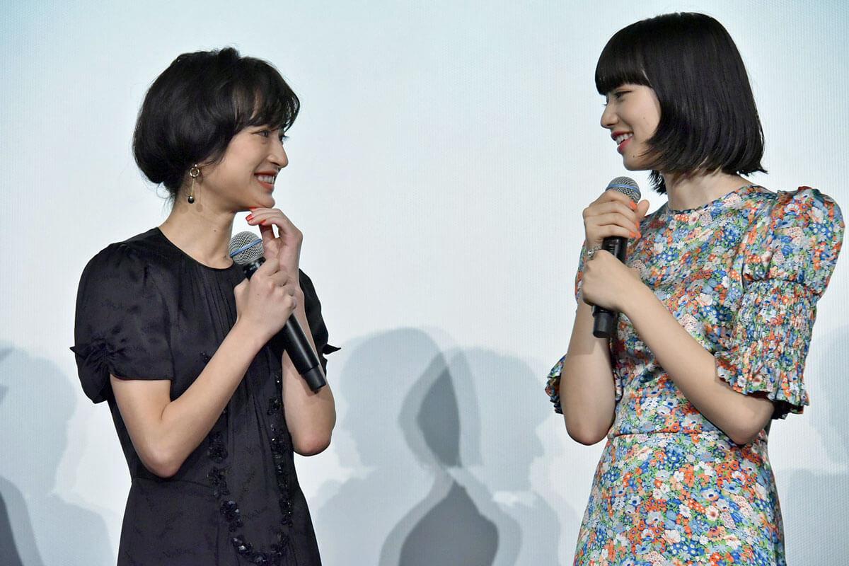 小松菜奈と門脇麦が主演映画『さよならくちびる』初日舞台挨拶に登壇