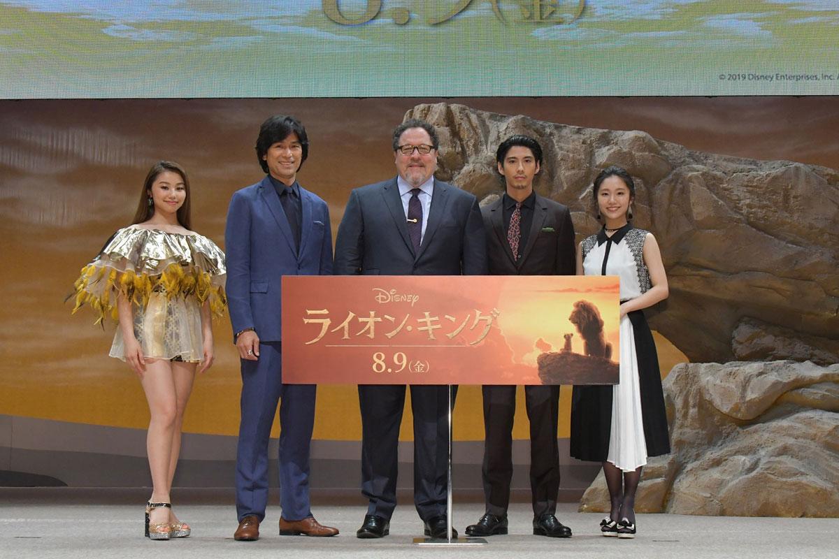 左からRIRI、江口洋介、ジョン・ファブロー監督、賀来賢人、門山葉子