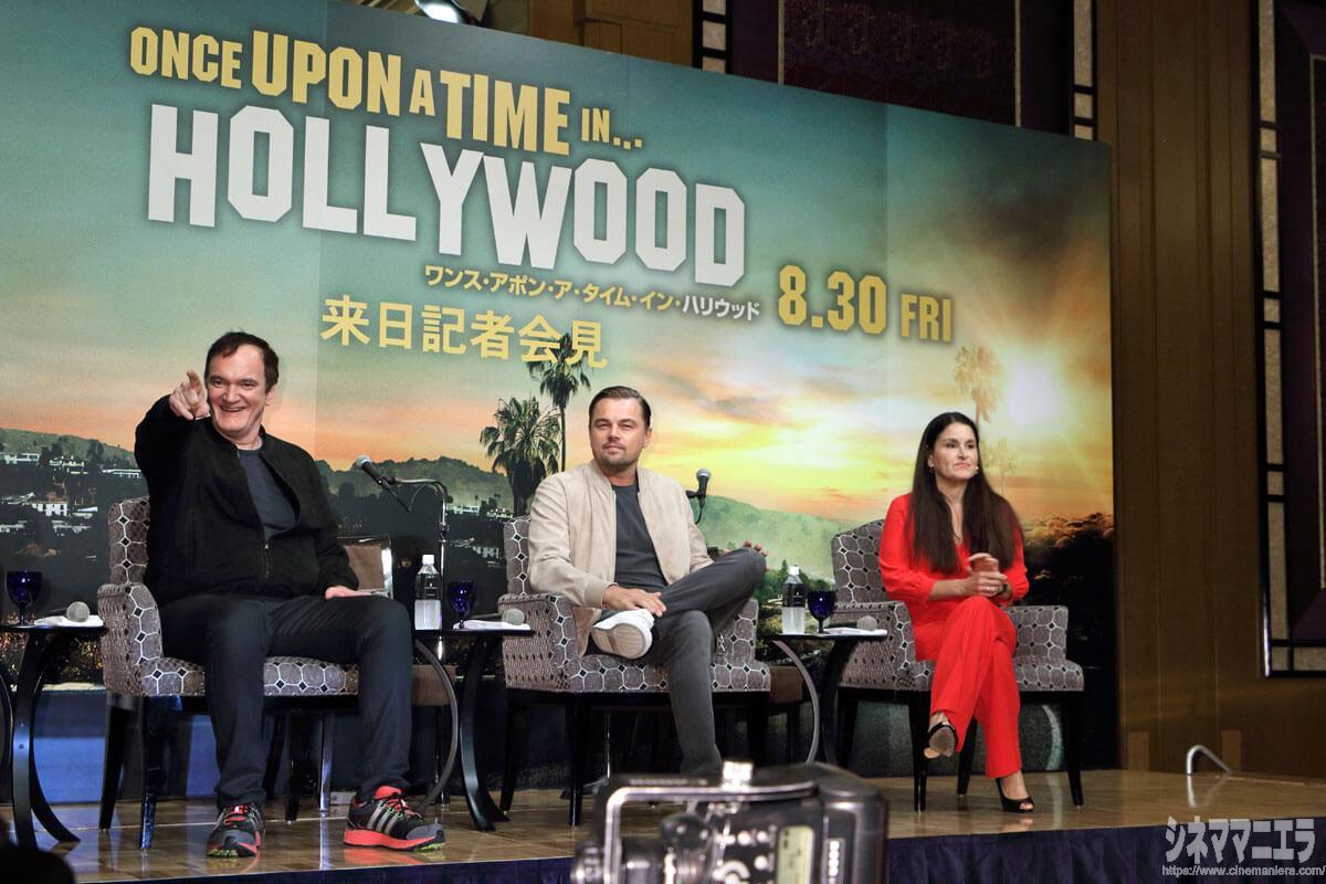 左から監督、ディカプリオ、プロデューサー