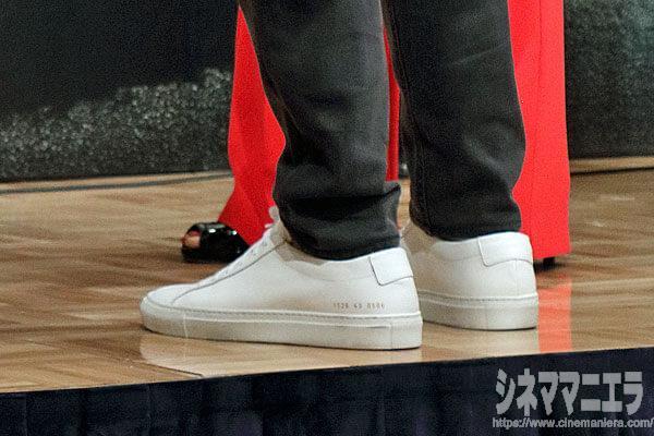 ディカプリオの白スニーカーのブランドはCOMMON PROJECTS(コモンプロジェクツ)