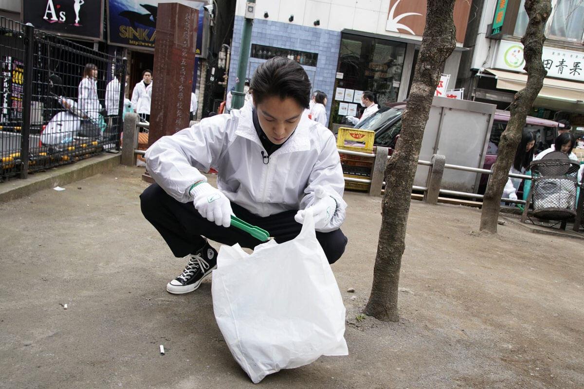 窪田正孝、歌舞伎町に恩返し