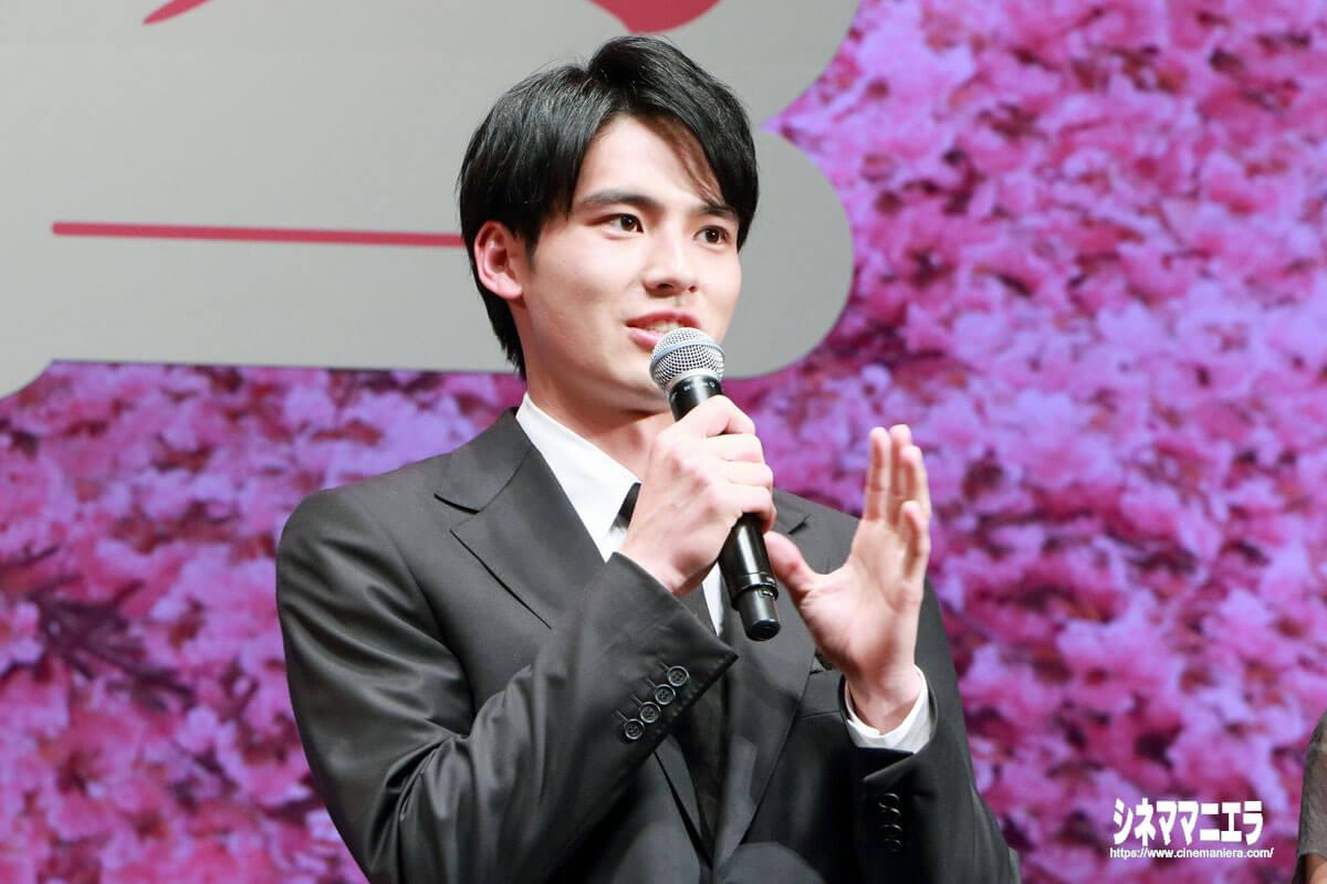 岡田健史、初の映画舞台挨拶!