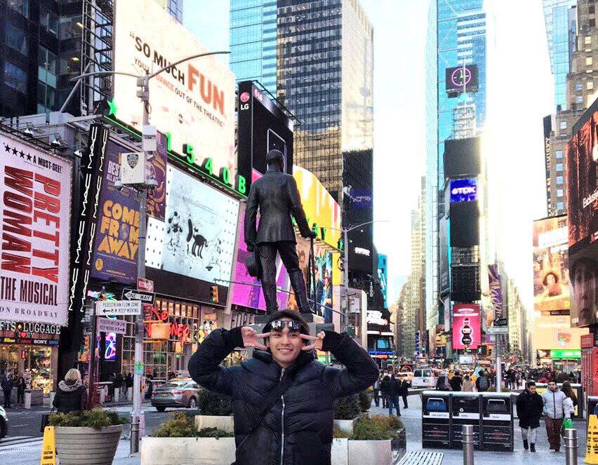 柳楽優弥、ニューヨークの名所タイムズスクエアで撮影