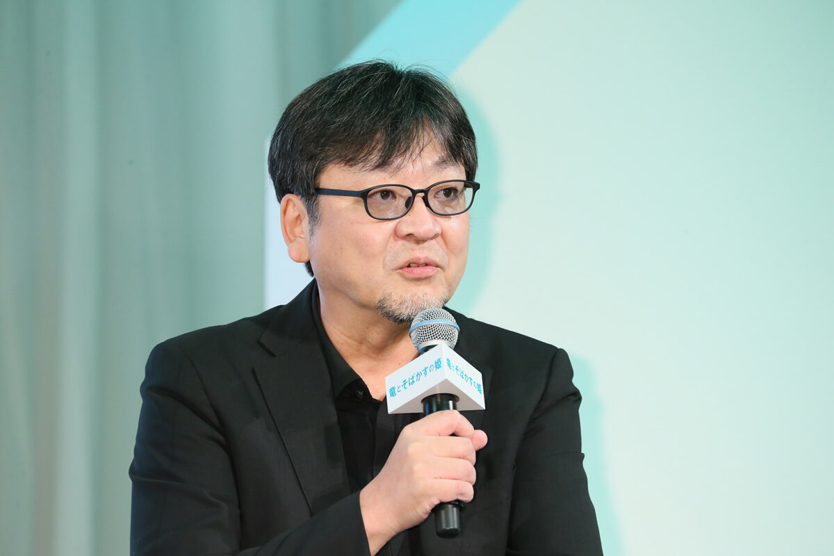 細田守監督、映画『竜とそばかすの姫』会見にて